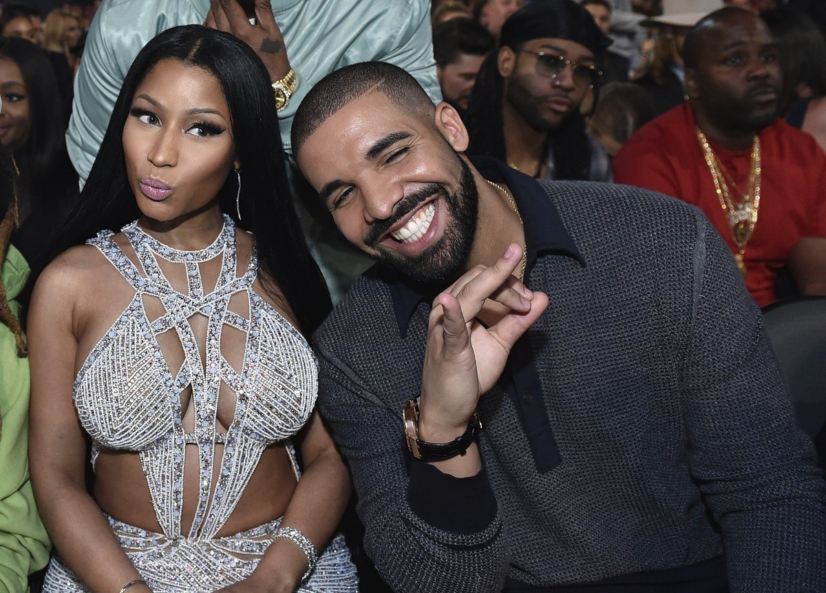 """Rihanna? Jennifer Lopez? Drake brinca e """"entrega"""" crush fortíssimo por estrela de Hollywood"""