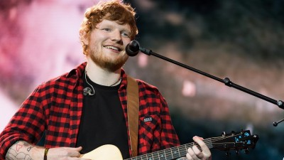 Ed Sheeran faz linda performance do seu novo single 'Perfect' na TV! Vem assistir