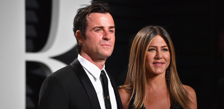 Jennifer Aniston revela que o marido, Justin Theroux, costuma surrupiar seus produtos de beleza!