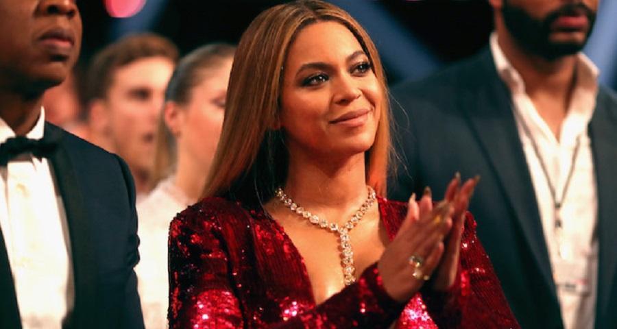 Beyoncé e Shakira podem participar de série sobre prevenção ao câncer de mama, revela jornal