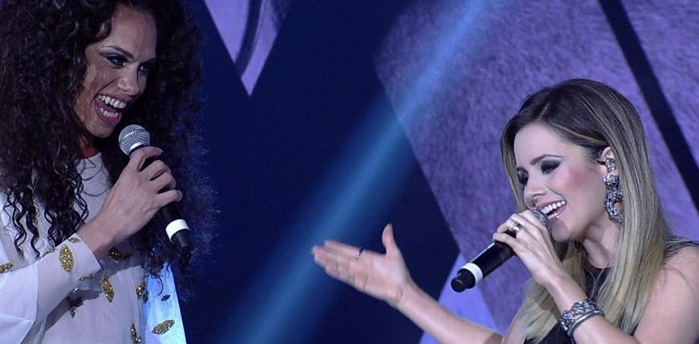 """Silvero Pereira, de """"A Força do Querer"""" surge como Gisele e faz dueto LINDO com Sandy!"""