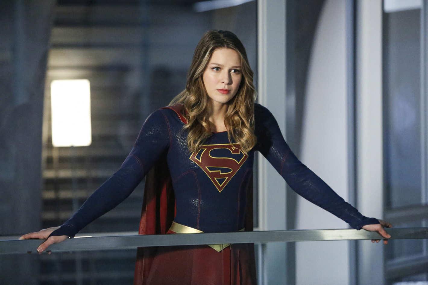 """Supergirl"": Melissa Benoist publica desabafo após afastamento do produtor acusado de assédio sexual"