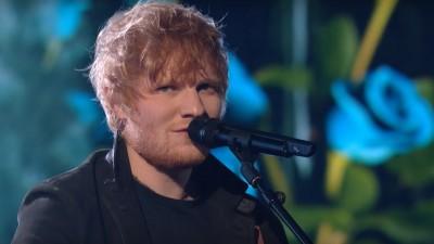 """No cinema! Ed Sheeran lança documentário """"Songwriter"""" em Berlim, veja trailer!"""