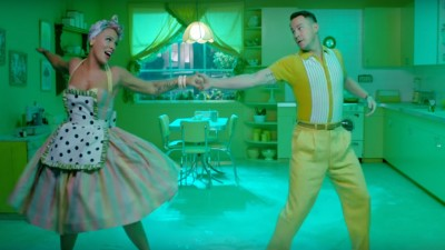 Amei! P!nk e Channing Tatum arrasam na dança no clipe mara de 'Beautiful Trauma'