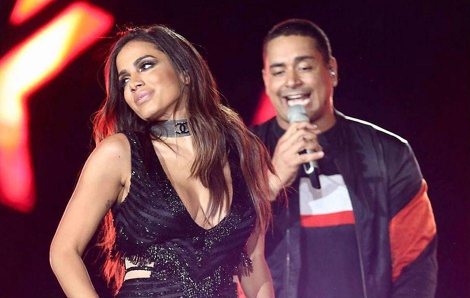 """Anitta faz parceria com Harmonia do Samba e quebra tudo com """"Tic Nervoso""""; assista!"""