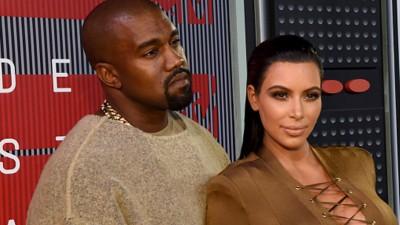 Quem dá mais? Kim Kardashian leiloa cueca de Kanye West na internet