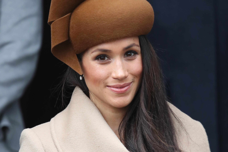 """Meghan Markle investe em """"estilo"""" Kate Middleton para look de evento familiar; confira detalhes!"""