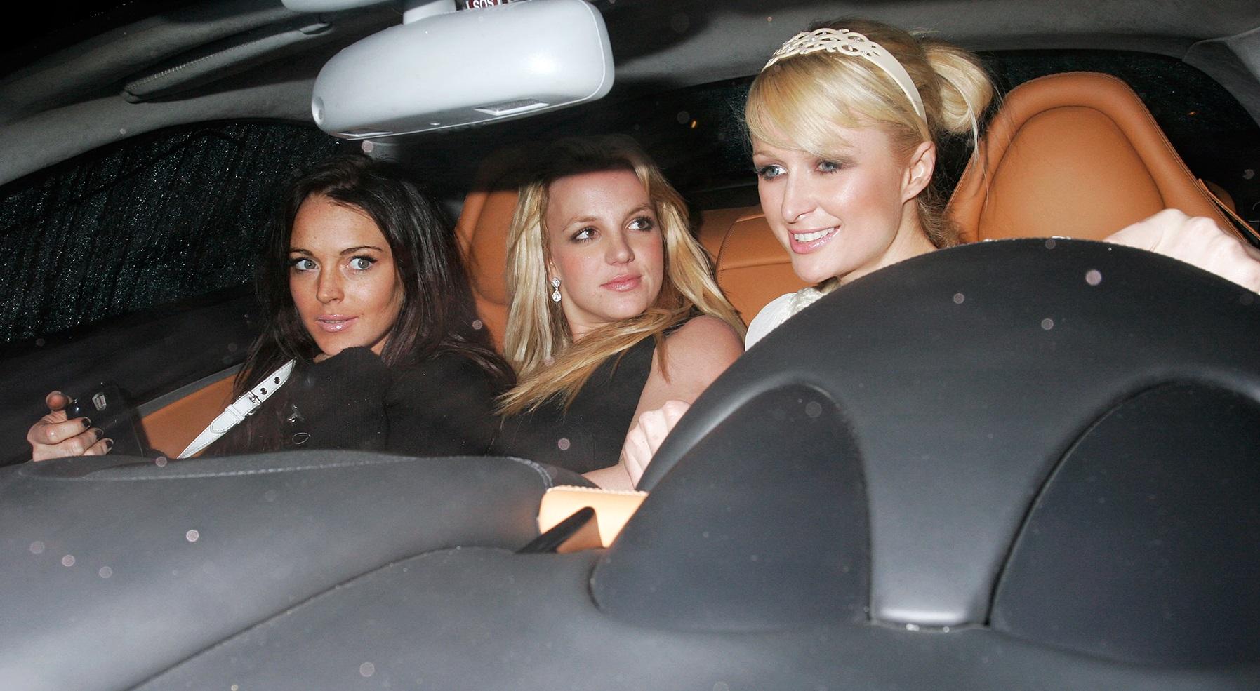 Paris Hilton revela que Lindsay Lohan entrou de penetra naquele icônico encontro com Britney