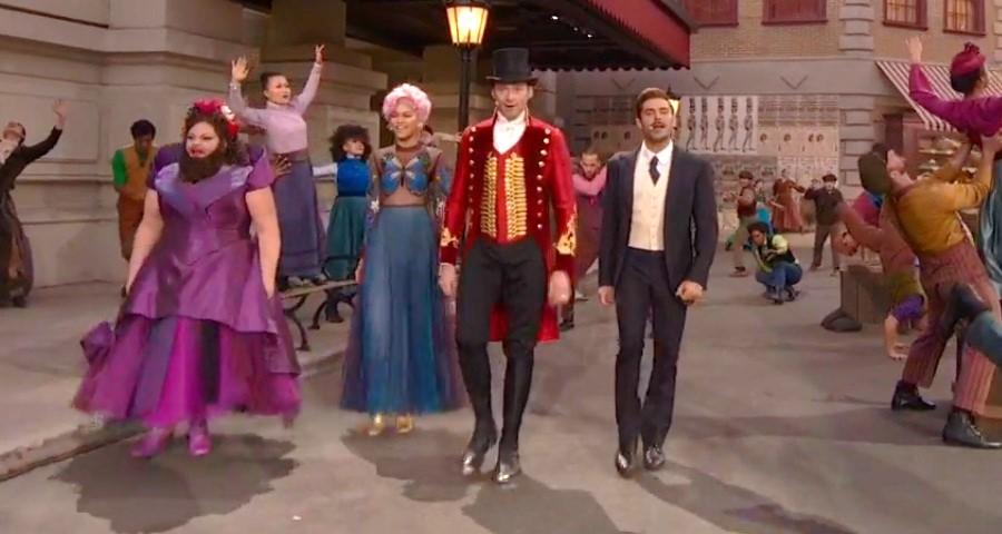 """""""O Rei do Show"""": Hugh Jackman, Zac Efron e Zendaya se apresentam em comercial ao vivo do musical"""