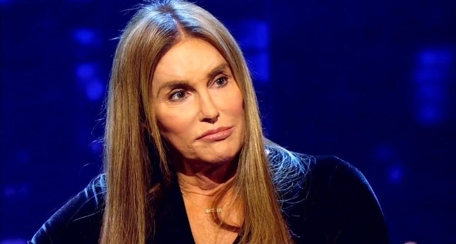 Caitlyn Jenner diz que não confiava nas Kardashians para contar sobre cirurgia de redesignação sexual