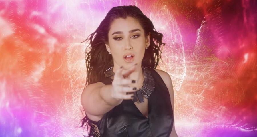 """Lauren Jauregui e Steve Aoki lançam clipe dançante para a parceria """"All Night""""; vem assistir"""