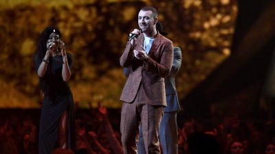'BRIT Awards 2018': Sam Smith faz performance LINDA de 'Too Good At Goodbyes', assista