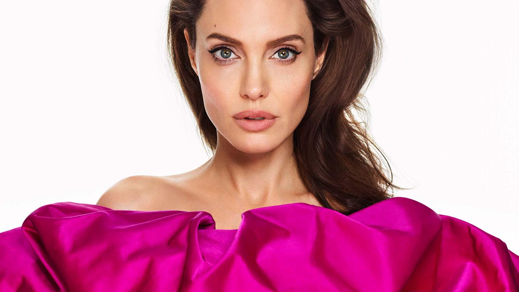 Angelina Jolie compartilha conselho poderoso que costuma dar às filhas