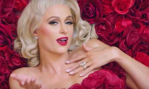 Paris Hilton adota medida para evitar perder novamente seu anel de noivado