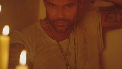 Caliente! Ricky Martin lança clipe bapho para sua mais nova aposta, 'Fiebre'; vem ver
