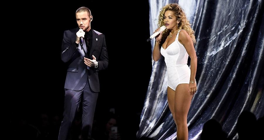 """BRIT Awards: Rita Ora e Liam Payne fazem performance incrível de """"For You""""; vem assistir"""