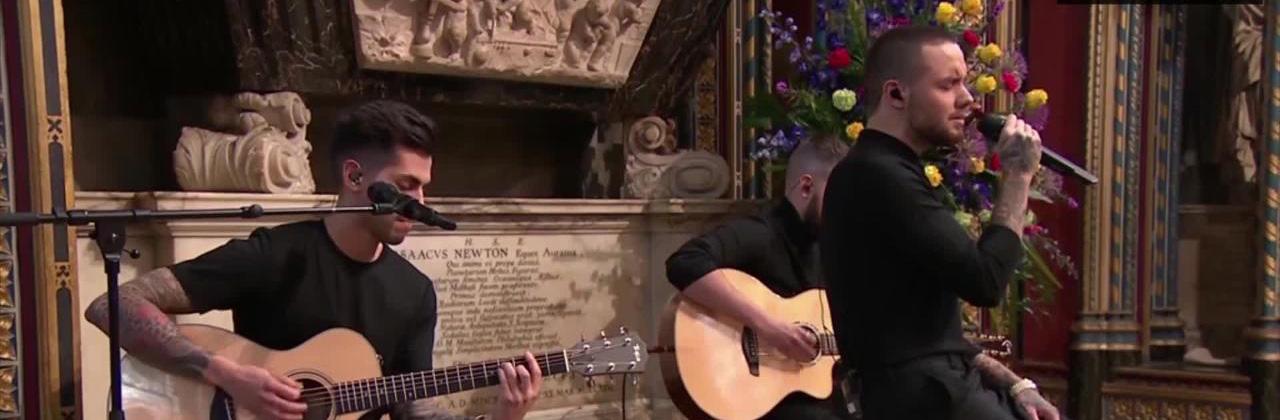 Liam Payne canta cover de John Mayer na Inglaterra e tem família real como plateia
