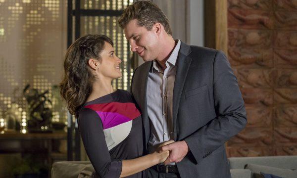 """""""O Outro Lado do Paraíso"""": Clara aceitará pedido de casamento de Patrick, revela colunista"""