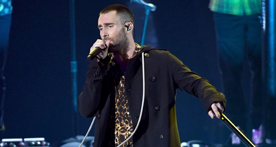 """iHeart Awards: Maroon 5 faz apresentação linda do single """"Wait""""; vem assistir"""