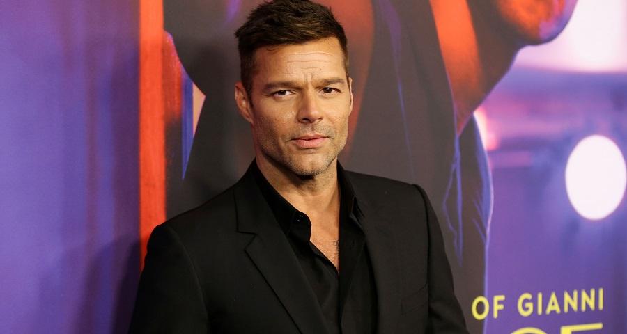 """""""Perdi muita energia tentando manipular minha sexualidade"""", diz Ricky Martin em entrevista"""