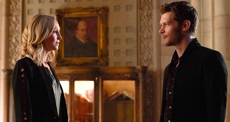 """""""The Originals"""": Klaus reencontra Caroline em fotos da quinta e última temporada"""