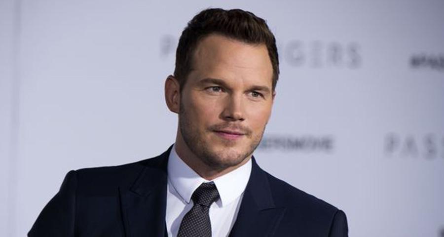 """Chris Pratt faz surpresa para fãs que se emocionam ao conhecer o ator de """"Vingadores"""", veja!"""