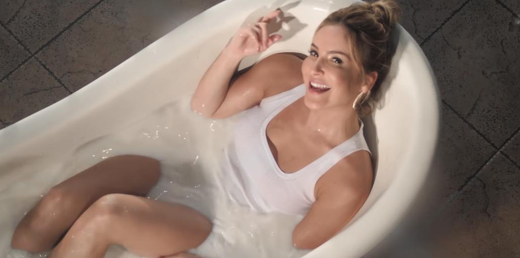 Claudia Leitte está toda musa no clipe de 'Pode Ter', sua mais nova aposta; vem ver!