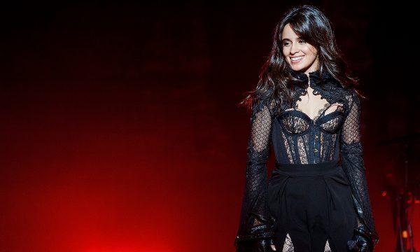 Camila Cabello revela estratégia para se proteger de comentários negativos nas redes sociais: 'Fez um mundo de diferença'