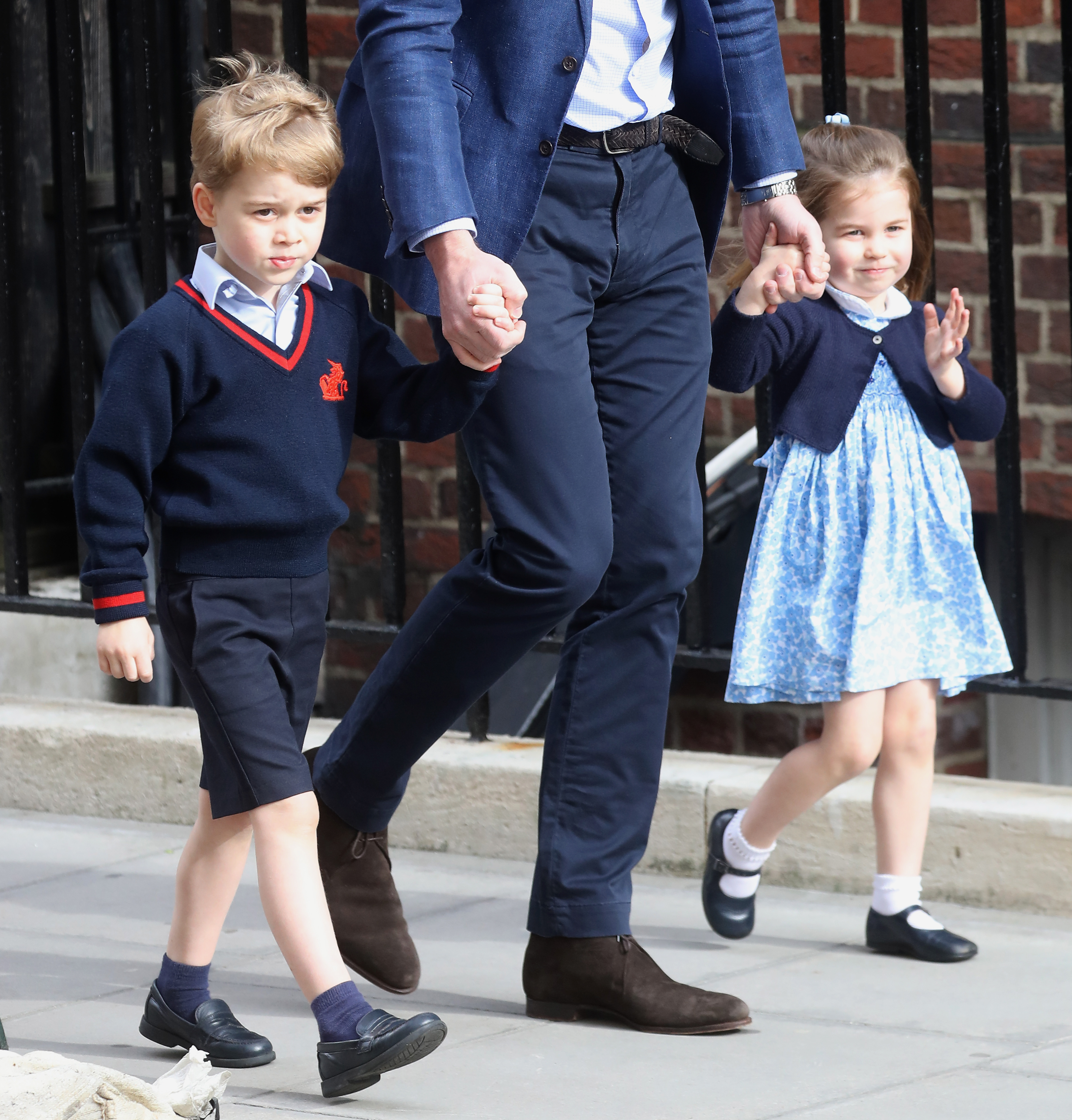 the-duke-duchess-of-cambridge-depart-the-lindo-wing-with-their-new-son-3