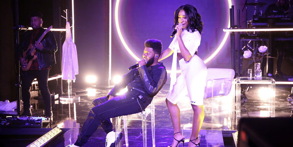 Normani e Khalid arrasam muito na primeira performance do hit 'Love Lies'! Vem ver
