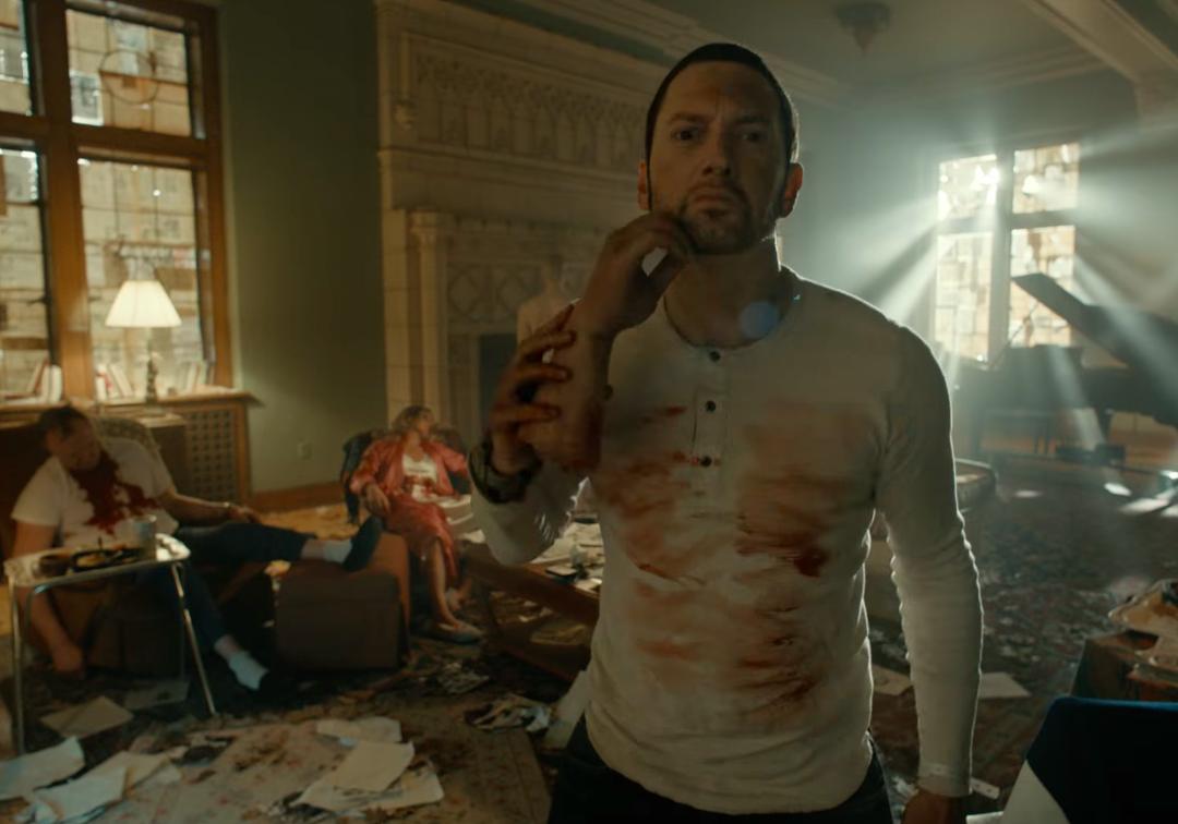 Eminem lança clipe sinistro para sua nova aposta, 'Framed'; vem ver!