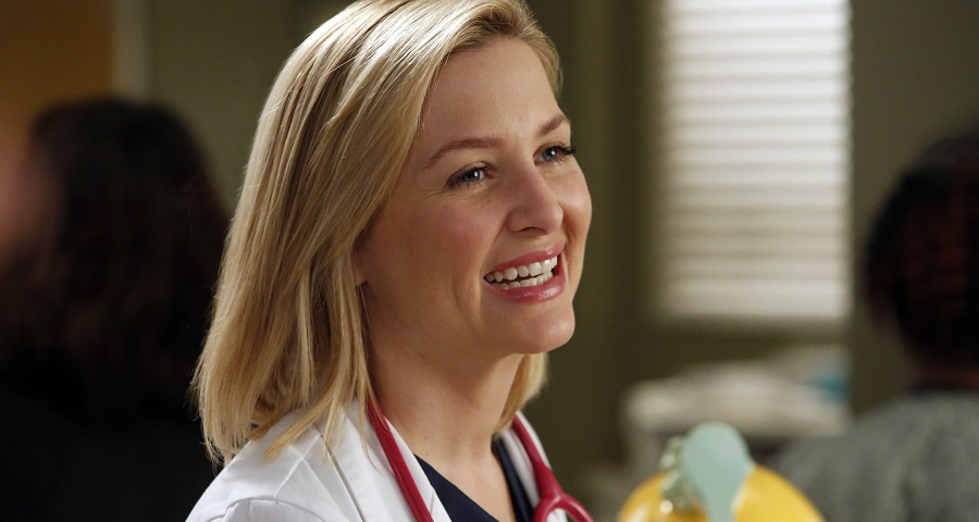 """Grey's Anatomy"": Antiga personagem voltará para desfecho de Arizona"
