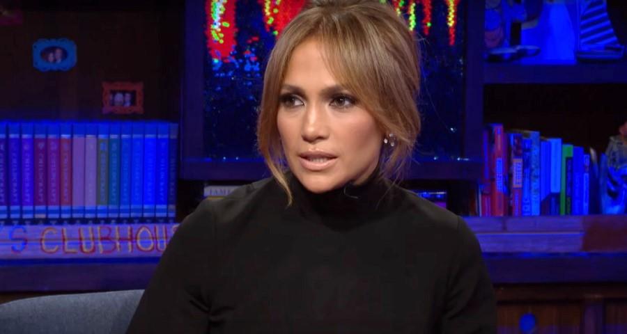 """""""Adoraria ser amiga dela"""", diz Jennifer Lopez ao comentar suposta rixa com Mariah Carey"""