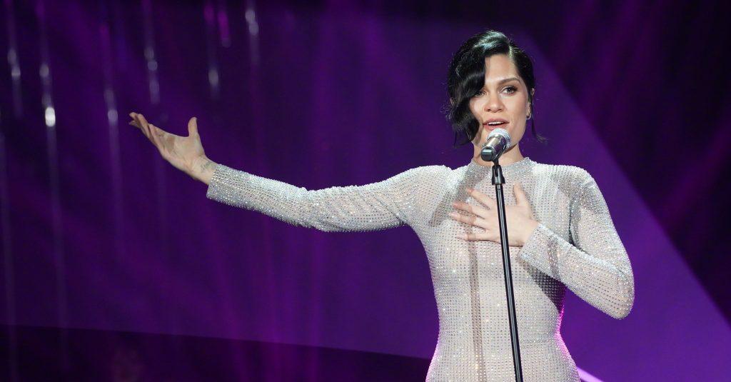 Emocionante! Jessie J faz performance PERFEITA de  'I Will Always Love You', de Whitney Houston e vence competição!