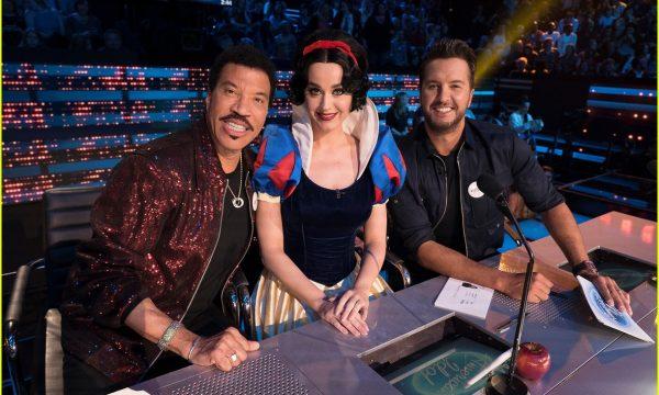 American Idol: Katy Perry interpreta canção clássica da Disney e se transforma em Branca de Neve!