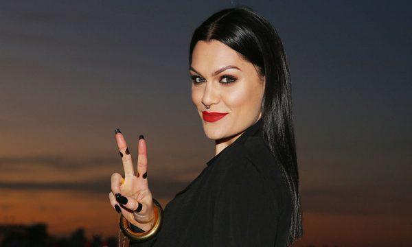 Jessie J canta quase todos os seus hits em um minuto, assista!
