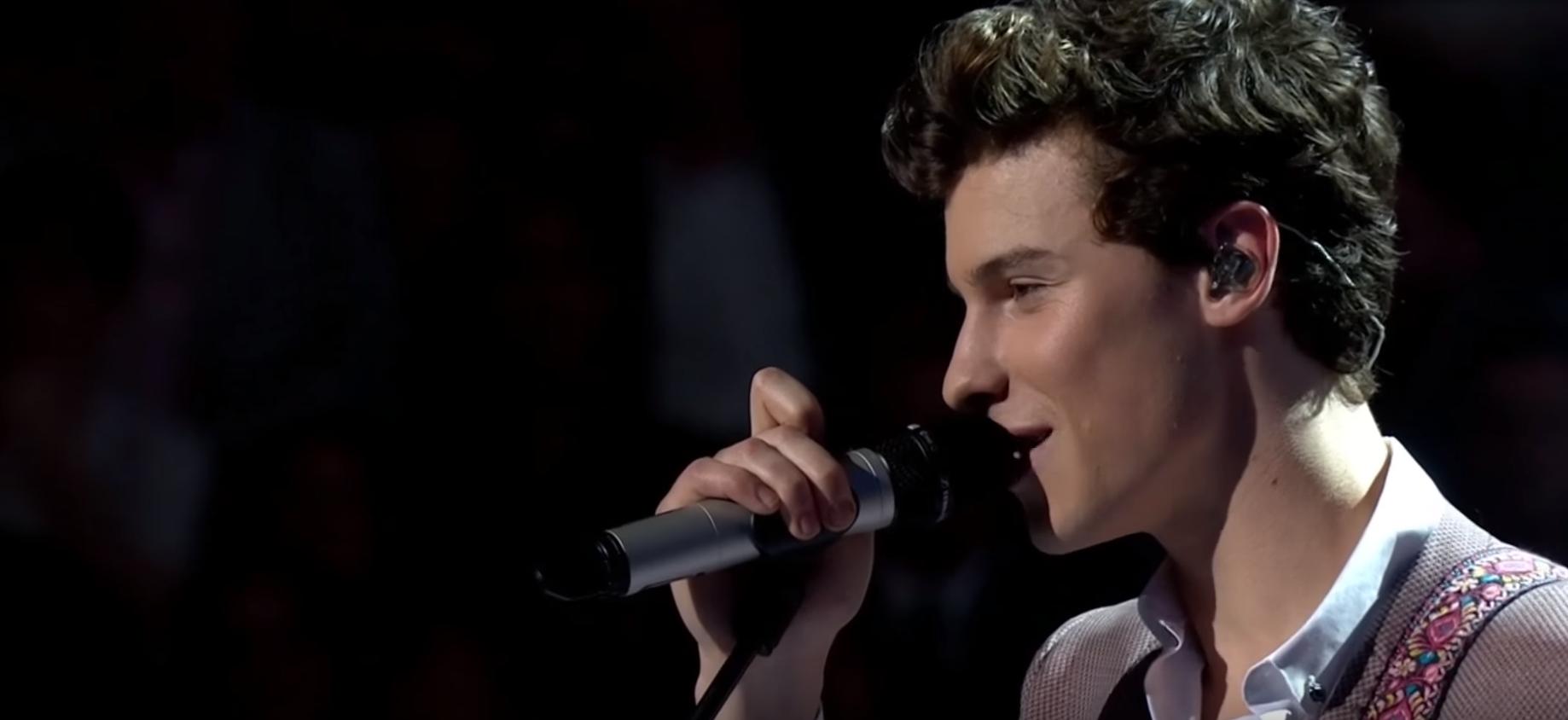 Shawn Mendes canta 'In My Blood' em evento de aniversário da Rainha Elizabeth; assista performances!