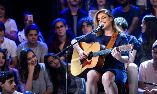 """Fantine, do Rouge, emociona Ivete Sangalo ao cantar """"Se Eu Não te Amasse Tanto Assim"""", assista!"""