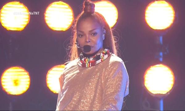 BBMAs 2018: Após nove anos longe dos palcos, Janet Jackson recebe homenagem; assista!