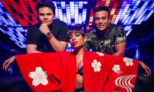 Matheus & Kauan e Anitta lançam clipe fofo para a ÓTIMA 'Ao Vivo e a Cores'; vem ver!