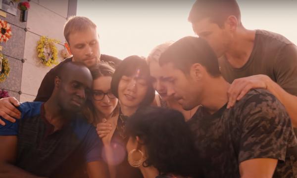 Netflix divulga trailer emocionante para episódio final de 'Sense8'; vem ver!