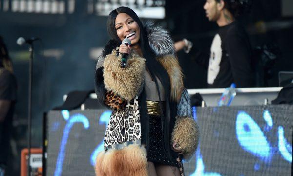De surpresa, Nicki Minaj faz primeira performance de 'Chun-Li'! Vem assistir!