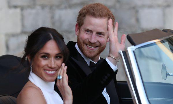 Princesa Diana é homenageada por Meghan e Harry em acessório para a festa