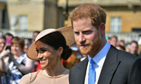 """Meghan Markle terá """"assistente de realeza"""" para ajudar no casamento com Harry"""