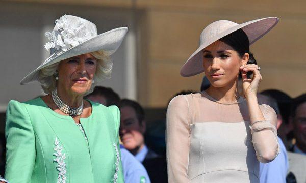 """Camilla Parker Bowles fala sobre drama da família de Meghan: """"Estávamos pensando o que mais poderia acontecer"""""""