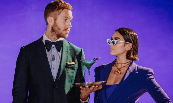 """Calvin Harris lança clipe lindo para """"One Kiss"""", sua parceria com Dua Lipa; assista"""