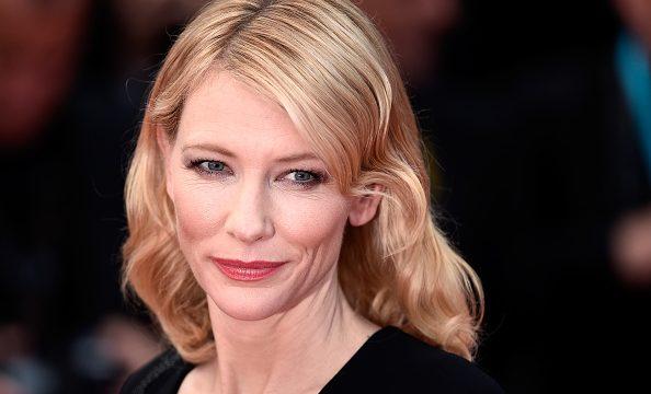 """Cate Blanchett revela ter sofrido assédio de produtor e desabafa: """"Muitos agem como ele"""""""