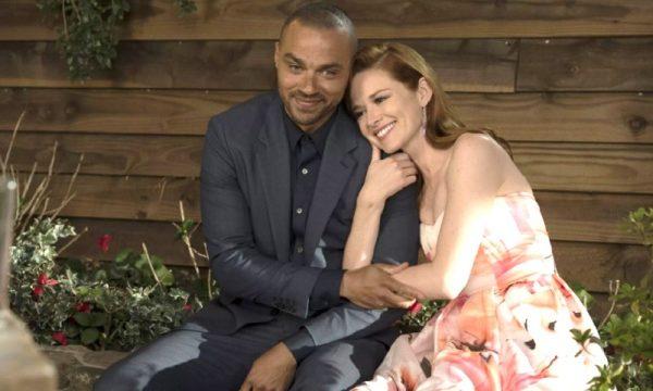 """LINDA! Sarah Drew se despede de """"Grey's Anatomy"""" com mensagens emocionantes; vem ver"""