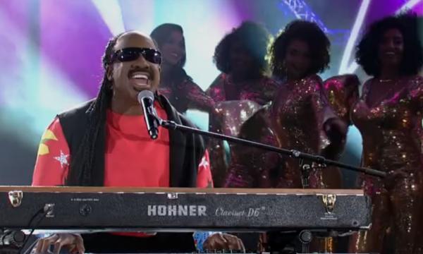 'Show dos Famosos': Mumuzinho se destaca como Stevie Wonder e conquista elogios; assista!