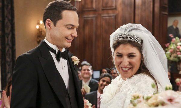 """Finalmente! Confira fotos do casamento de Sheldon e Amy em """"The Big Bang Theory"""""""